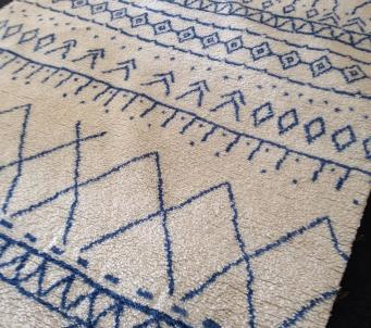 Moroccan Style Beni Ourain Ivory/ Blue hand knotted 5' x8'