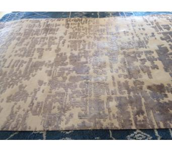 Modern Ivory and gray hand knotted 6 x9 rug